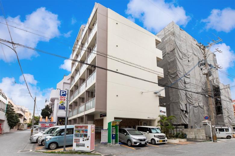 Mr.KINJO in KUME ホテル画像1