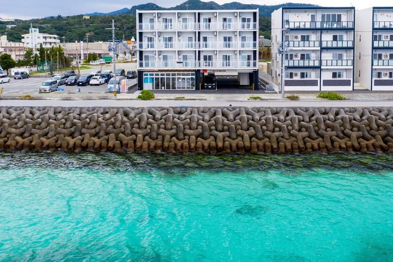 Mr.KINJO in MOTOBU OCEAN TERRACE ホテル画像1